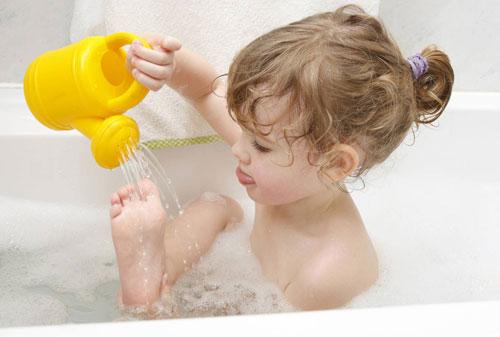 игры в ванной с малышом