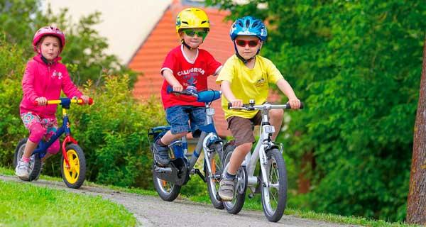 дети на велсипеде двухколесном
