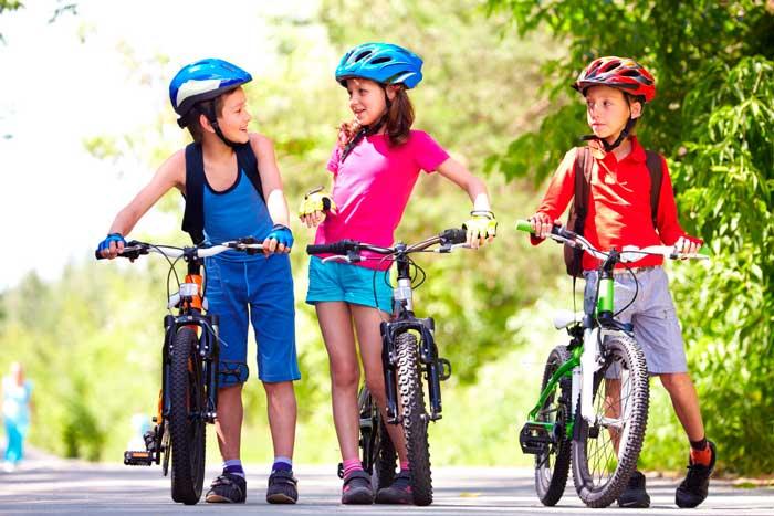 ребенок-на-велосипеде