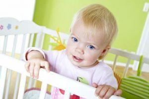 приучить ребенка спать отдельно от родителей