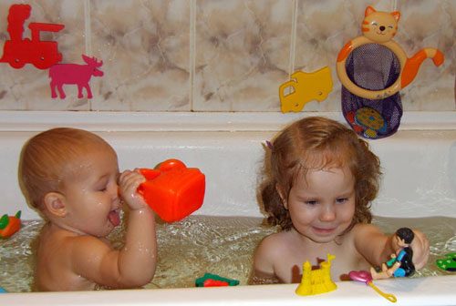 разивающие игры в ванной