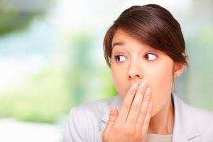 запах изо рта у взрослых