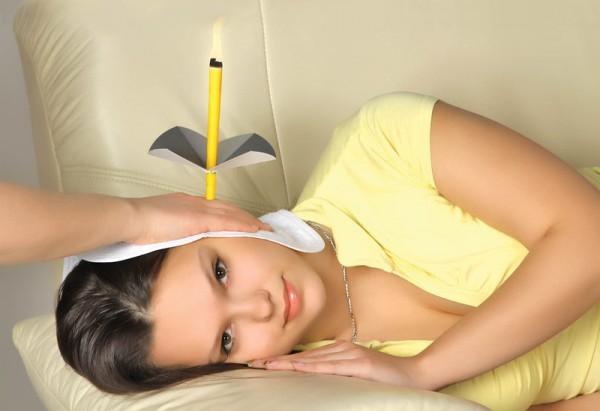 Удаление ушной пробки свечой