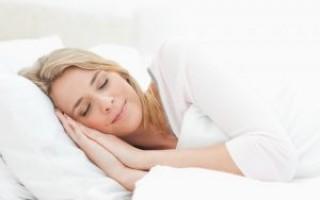 5 причин хорошо высыпаться молодой маме