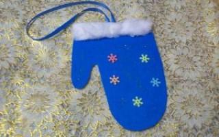 Как сделать игрушки на новый год своими руками из бумаги: рукавичка