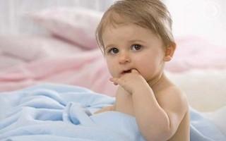7 способов как отучить ребенка сосать палец