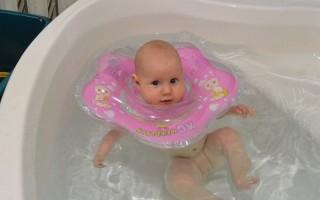 Круг на шею для купания новорожденных: правила безопасности, с какого возраста использовать