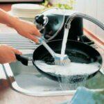 Как почистить чугунную сковороду от нагара