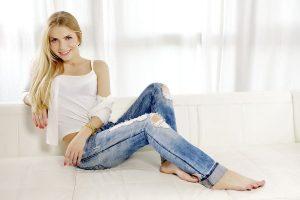 Как растянуть джинсы в домашних условиях