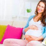Когда начинает расти живот у беременной женщины?