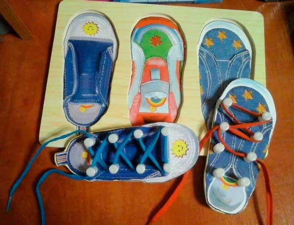 Игра-шнуровка-ботинок