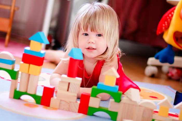 двухлетняя-девочка