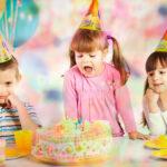 Что подарить ребенку на день рождения: список подарков с рождения до 7 лет