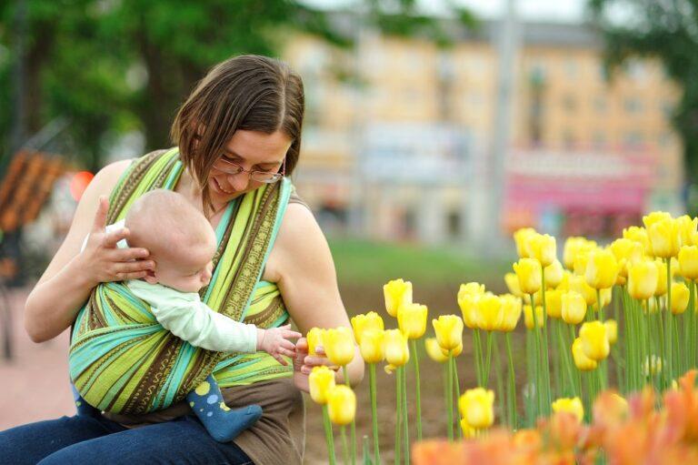 Ответы Mail.ru: Качели и малыш